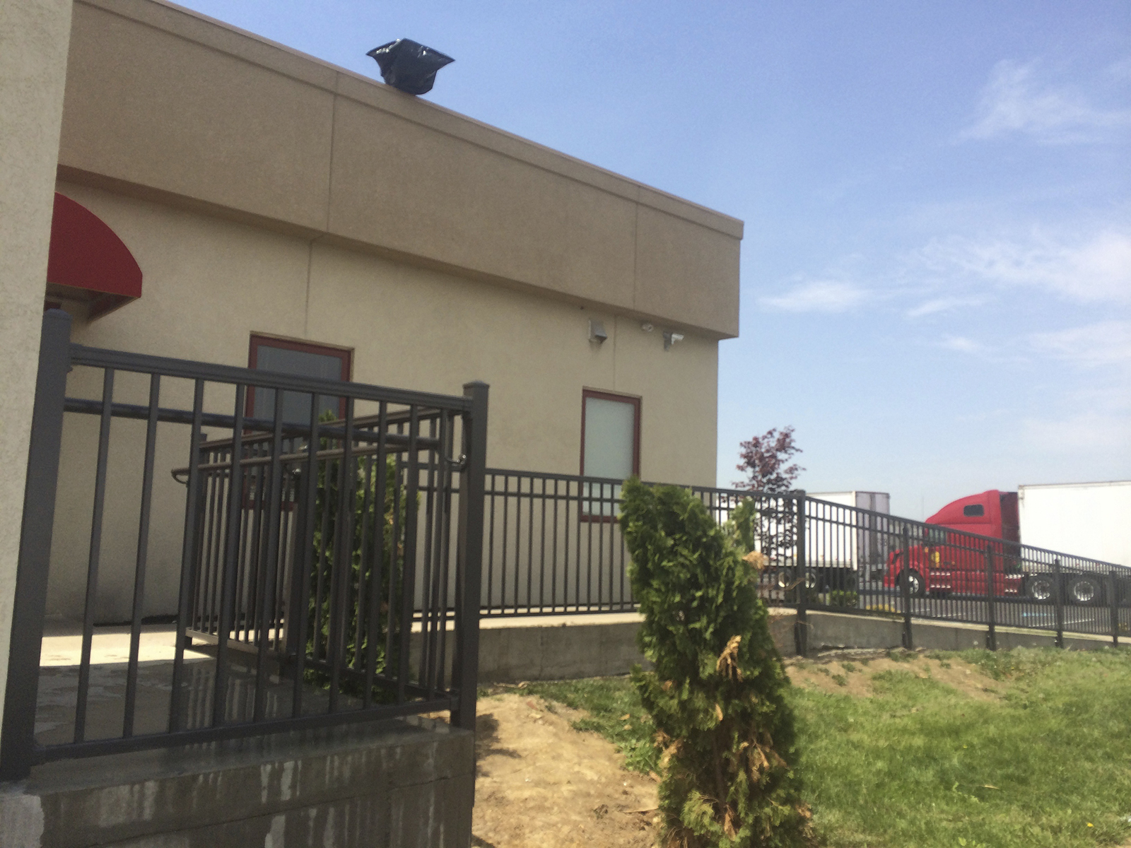commerical fence company